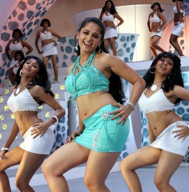 Anushka Hot Stills From Singam Movie