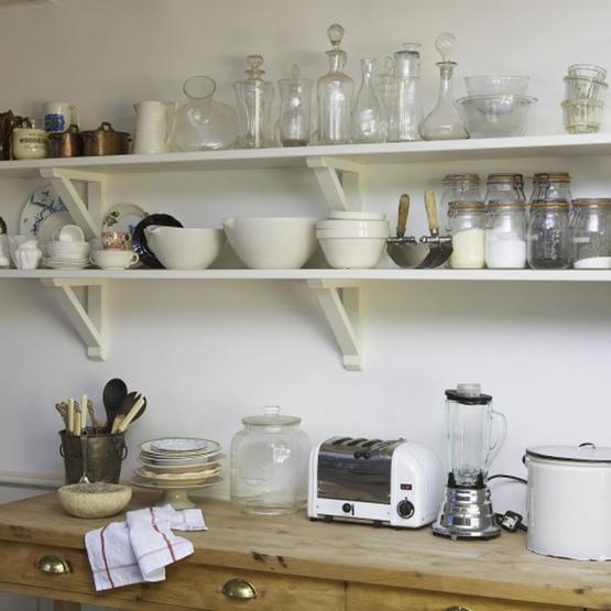 White Floors: kitchen freestanding cabinet or shelves?