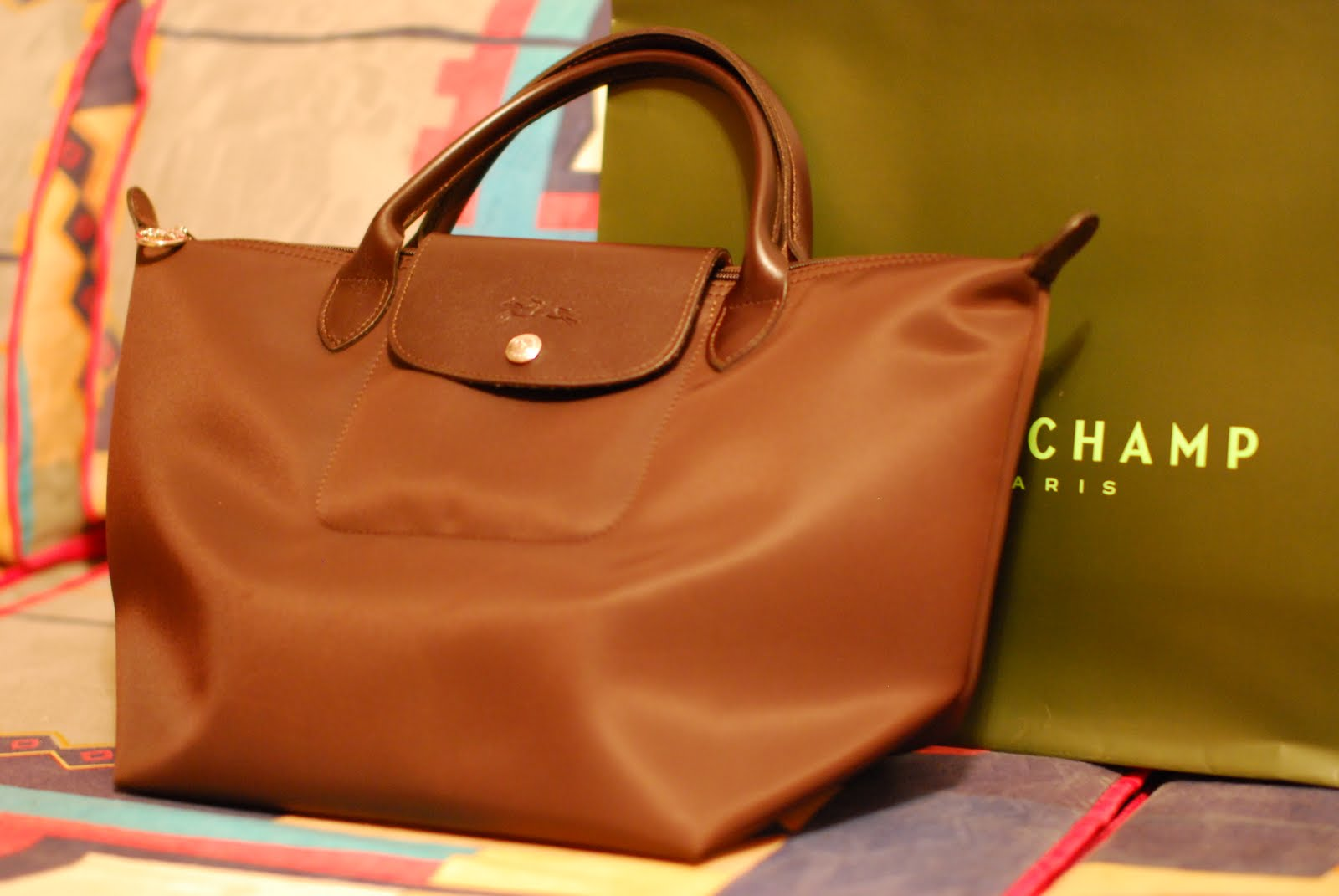 5fcfaa7e3c We bought it just the other day, the 31st. Just in time for his salary.  hahaha. We were around Orchard to check my dream bag, a Longchamp.