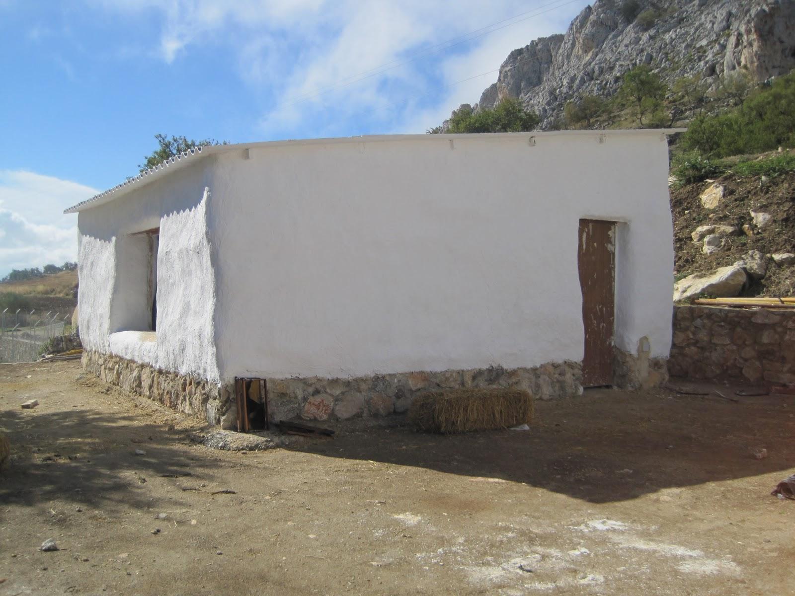 Modulo de apicultura encalado de todas las paredes - Molduras para paredes exteriores ...