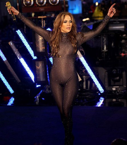 jennifer lopez crotch shot