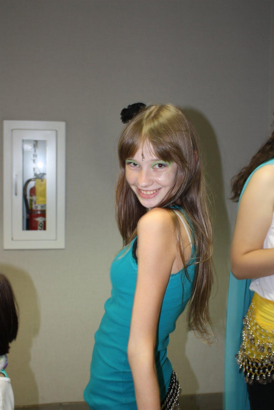 Teen Dancers 15