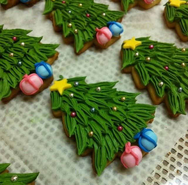 Christmas Tree Decorated Cookies: TeaRoom By Bel Jee: Christmas Tree Cookies