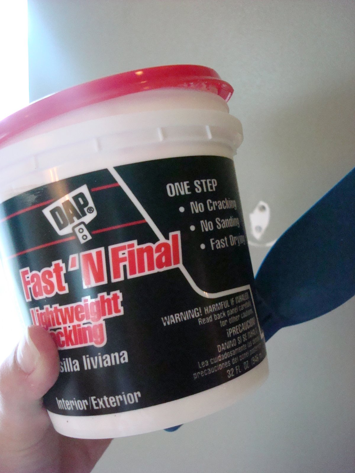 spackle for fixing drywall holes