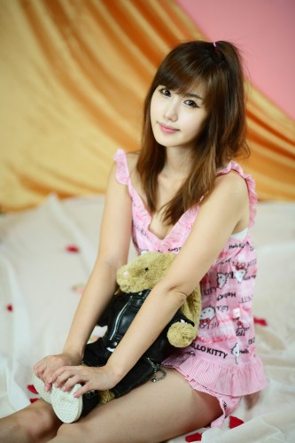 Asian Girls Sexy Song Jina  Hello Kitty Pjs-3252