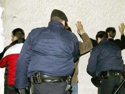 Αποτέλεσμα εικόνας για Συλλήψεις δύο αλλοδαπών, στα Ιωάννινα και στον Παρακάλαμο Ιωαννίνων, για καταδικαστικές αποφάσεις