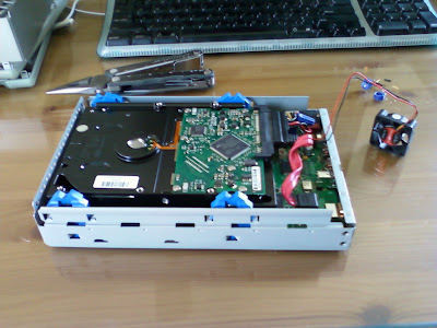 My Future Past: How to: repair a broken fan in an external