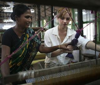 http://2.bp.blogspot.com/_wFRDuZlwmgU/TTFkIQxah3I/AAAAAAAABAc/_SDSIsvn5b4/s320/top-emma-bangladesh-2.jpg