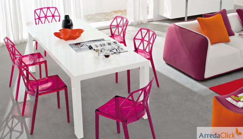 Sedie Plastica Trasparente Colorate.Arredaclick Il Blog Sull Arredamento Italiano Online Sedie