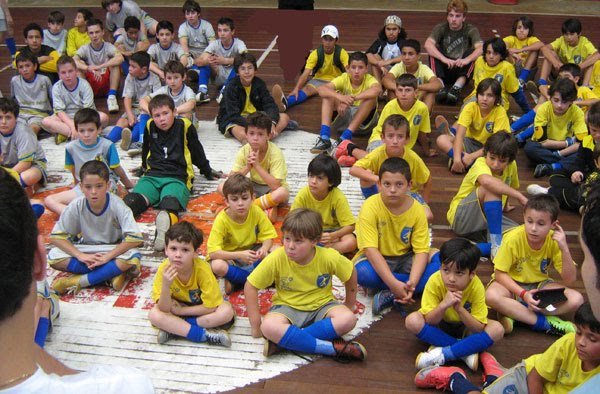 Fifa´s Futsal Grassroots   and Players Development  at no Cost to Fifa´s Budget.  by Carlos Mateus