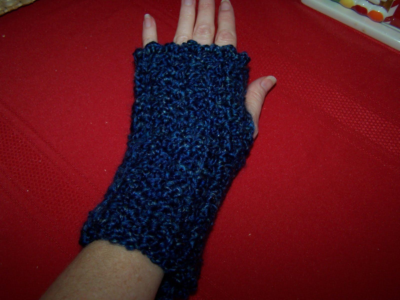 Yarni Gras Super Easy Crochet Wrist Warmers