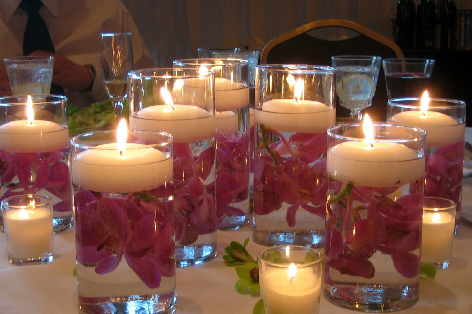 Wedding Candles: SANOJAH'S: Inexpensive Centerpieces