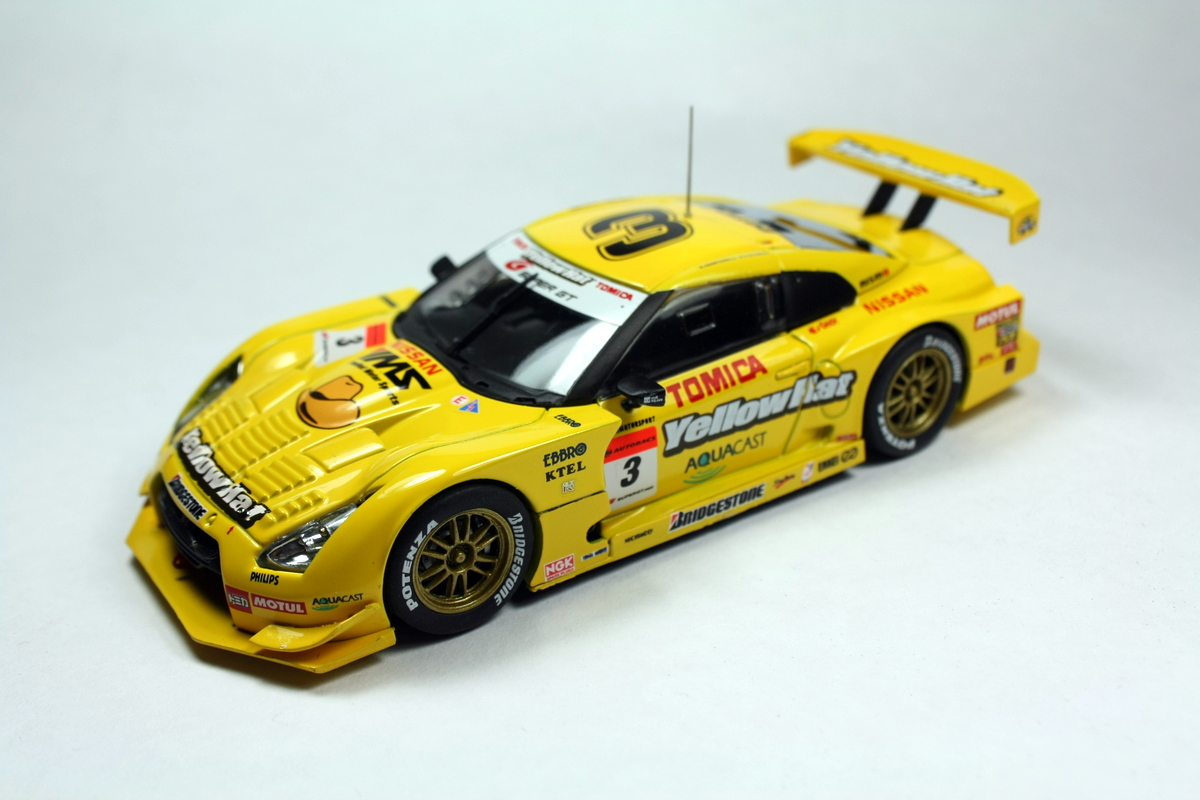 One of the car that participating the race is none other than Yellow Hat  Tomica GTR. This baby is in 1 43 scale from Ebbro. nicely detailed I must  say. 41ddd86520c