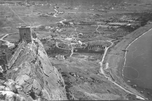 Судак. Вид на береговую линию с генуэзской крепости