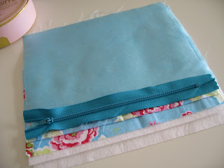 Flossie Teacakes Lined Zippered Pouch Make Up Bag Tutorial