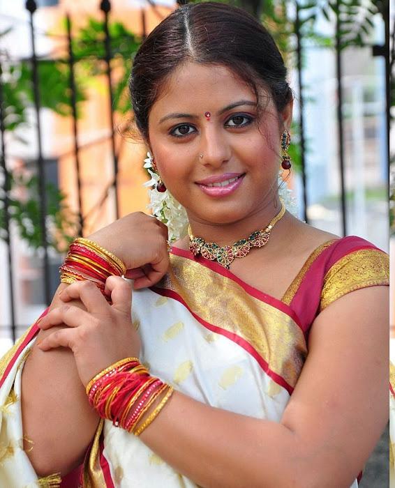 sunakshi masala in cool saree glamour  images
