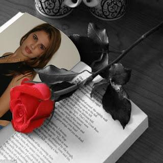 mujer+libro+rosa