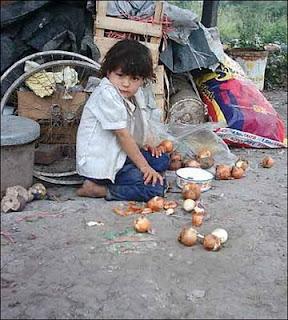 niño pobresa calle