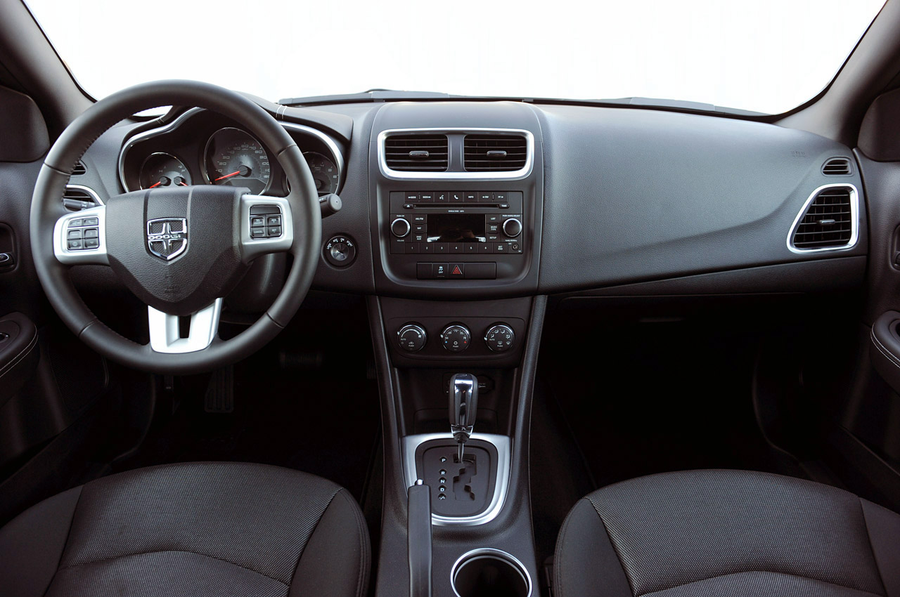 Actualidad Automotriz 2011 Dodge Avenger
