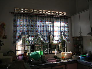 Ini Langsir Dapur Sori Suasana Agak Romantik Sikit Pun Kepunyaan Seorang Cikgu Pencen He