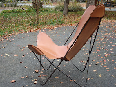 vintage butterfly chair with original leather cover modern60. Black Bedroom Furniture Sets. Home Design Ideas