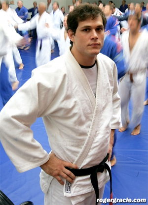 Roger Gracie vs  Tim Kennedy: Gracie Family Pride On The Line At UFC 162