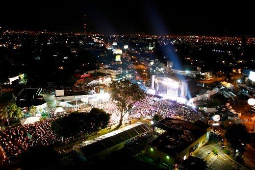 fe23a296745 El pasado 25 de septiembre la glorieta Minerva se convirtió en una macro  fiesta musical y en un gran centro de acopio para los afectados por el  Huracán Karl ...