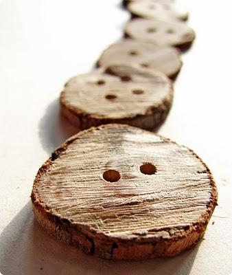como hacer botones con madera y corcho