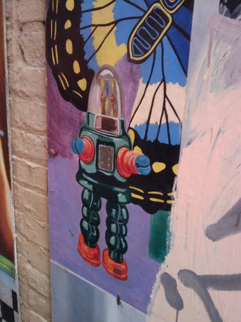 Barbary Coast Trail - Robot Street Art