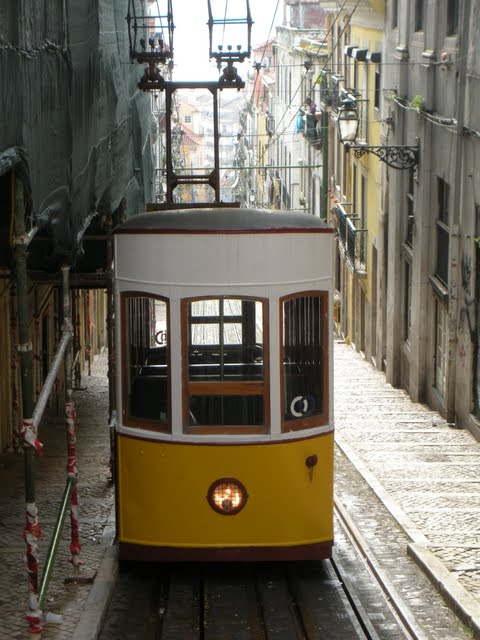 Why Lisbon Made me Nostalgic for San Francisco: Lisbon's Trams