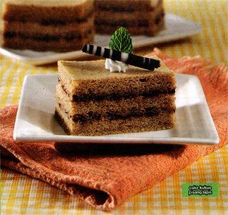 dan baking powder sambil diayak dan diaduk rata Cake Kukus Pisang Lapis Coklat Kacang