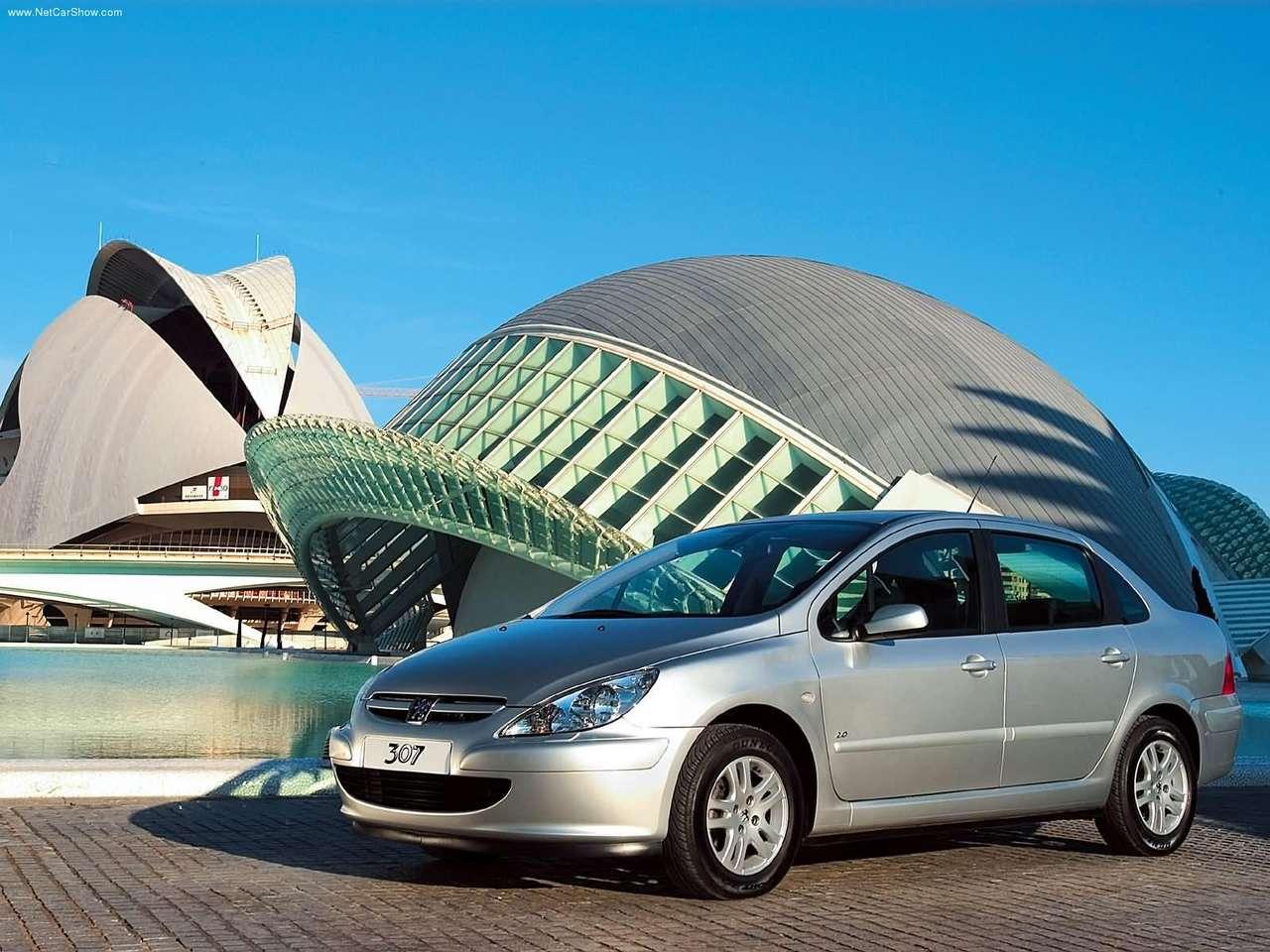 La Peugeot 307 Est Une Petite Voiture Familiale Produite