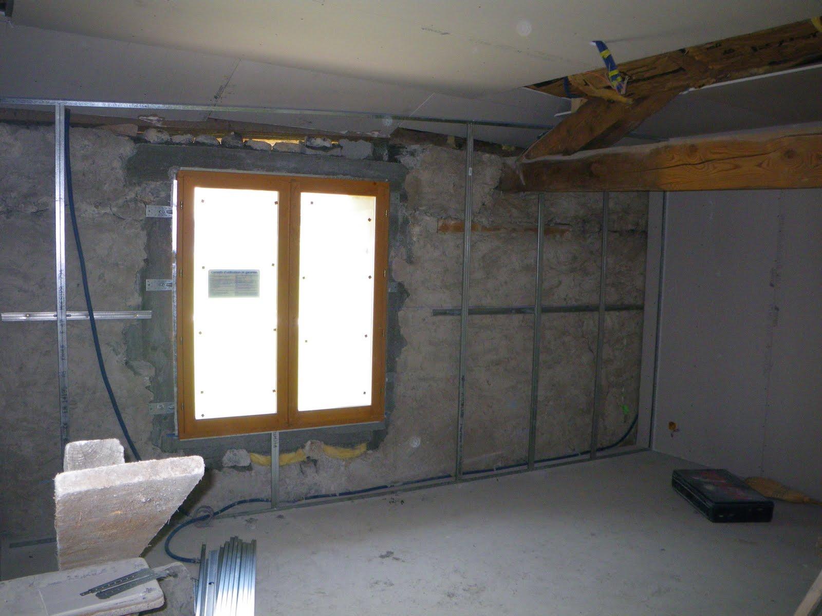 glad et guigui construisent les fen tres et le placo autour. Black Bedroom Furniture Sets. Home Design Ideas