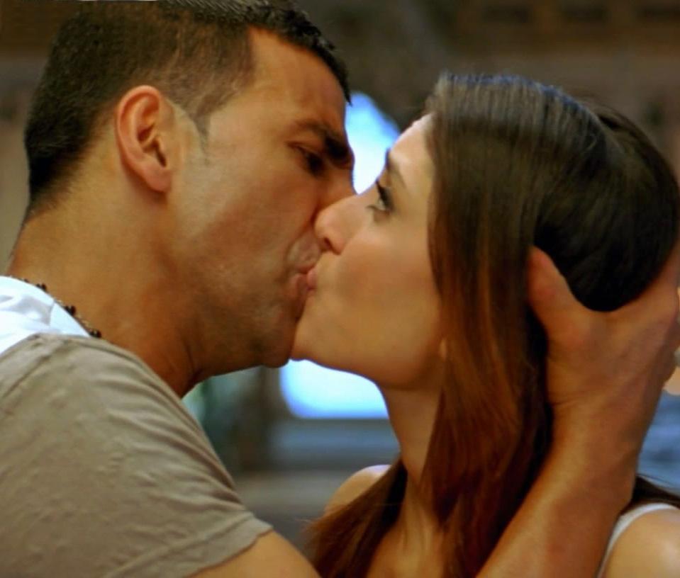 Seems kareena kapoor kiss hot apologise