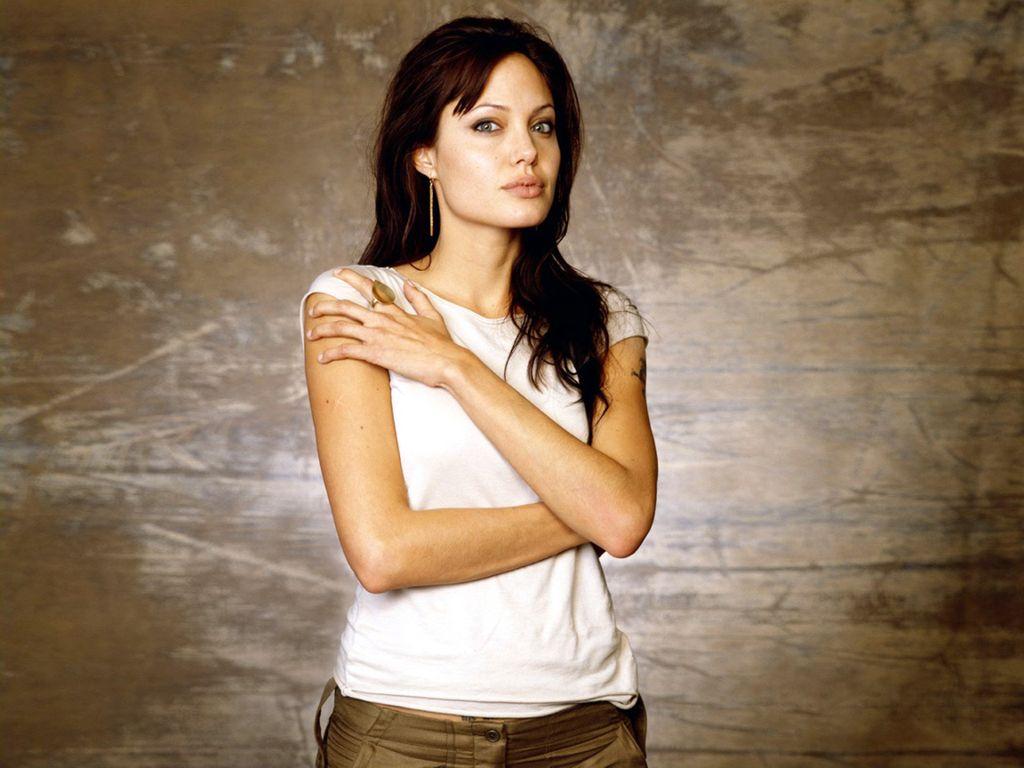 Hollywood Hot Sexy Actress Angelina Jolie: Angelina Jolie