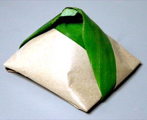 Hasil carian imej untuk nasi lemak daun pisang