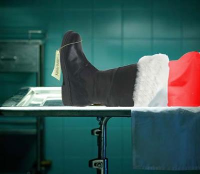 Foto de Santa Claus muerto en  la morgue