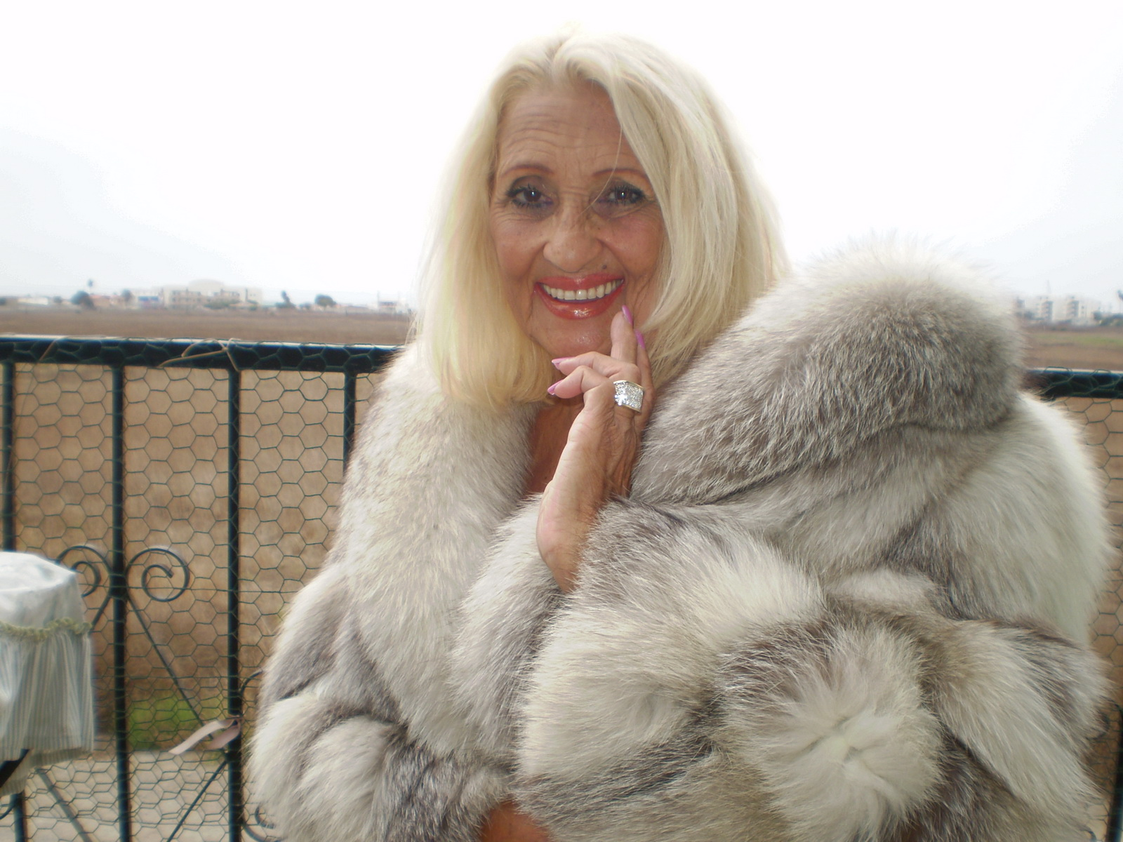 Sexy Mature In Fur 15