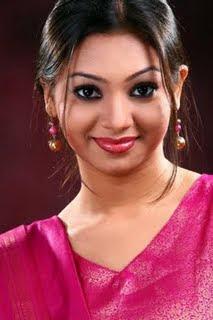 model Sadiya Jahan Prova with shari