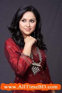 Nadia bangladeshi popular hot model