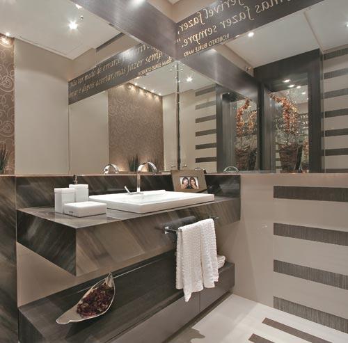 decoração do banheiro com espelhos