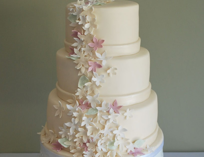 how to make a simple elegant wedding cake sweetthings simple and wedding cakes 15840