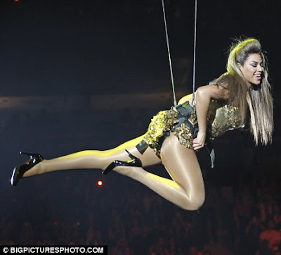 Beyonce Flies Through The Air For Vancouver leg of Her I Am Sasha Fierce Tour