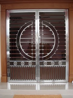 Stainless Steel Main Gate With Aluminium Wood Color Design