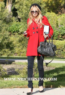 acc779340847 NICOLE RICHIE NEWS: Nicole Richie shopping in Beverly Hills
