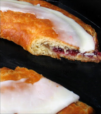 Raspberry kringle cross cut