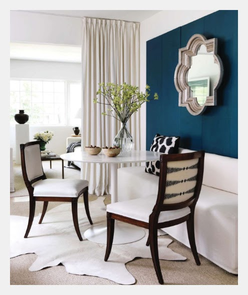 Dark Blue Room With White Accent Wall: Estilo Home: Blue Accent Walls