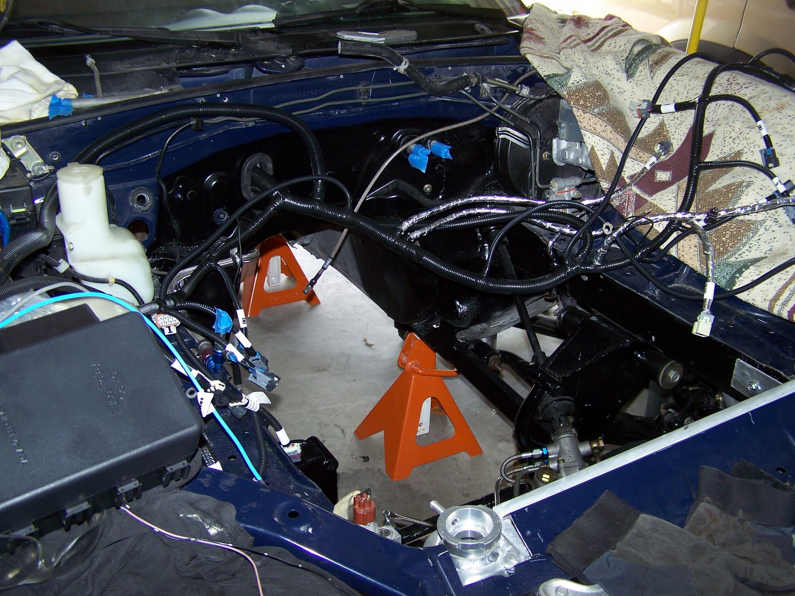Brooksies Miata Build Ls Wiring Harness Through Tohe Firewall Scrap Wire One Problem Ive Been Laboring Over Is How To Get The Bulky Connectors So I Can Mount Computer Inside Passenger