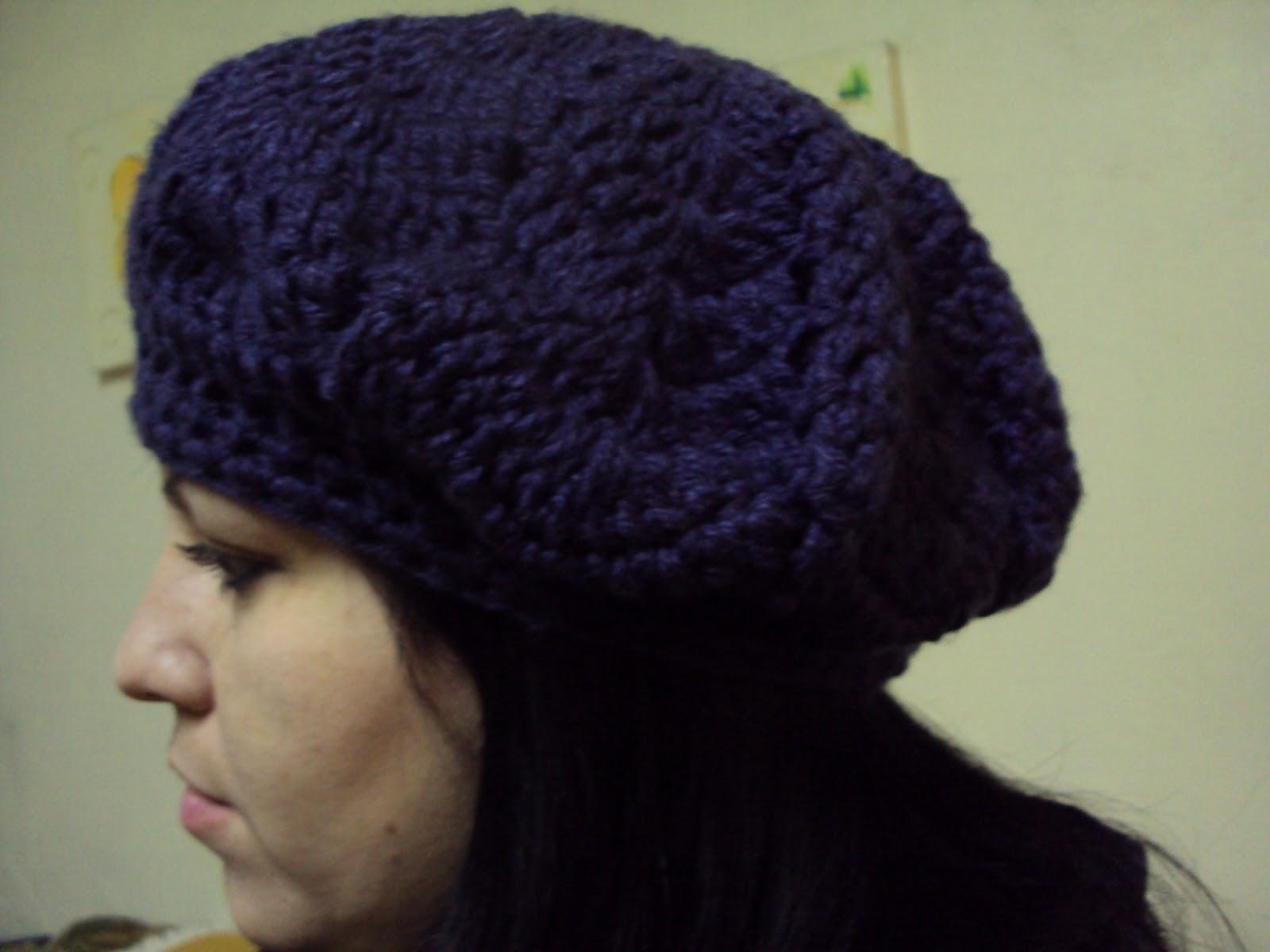 Soniando...  Boina feminina em crochet modelo Jenifer Lopez 9e679858f38