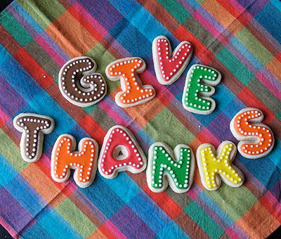 A photo of give thanks thanksgiving cookies.